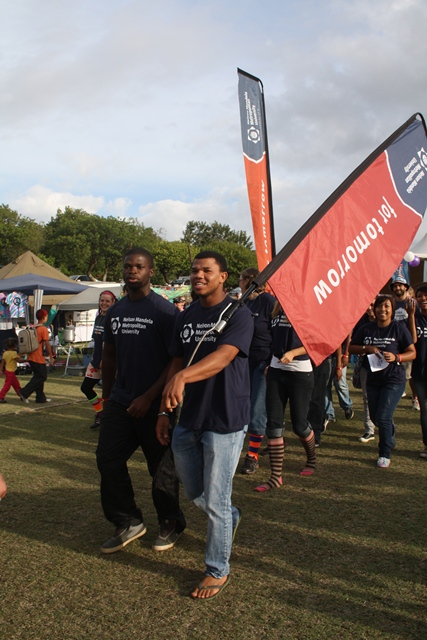 Students, Thamsanqa Madonsela and Eugene Maritz led the way as the NMMU teams followed behind on the first lap of the relay. Photo by Justine Dickinson