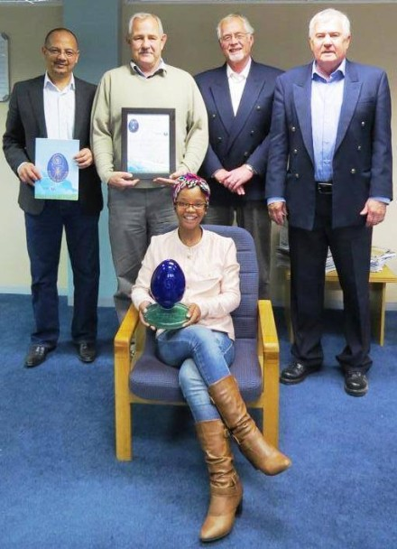 From left in the picture is Trevor Botha, Municipal Manager: George Municipality, Radie Loubser, Acting Manager: Parks and Recreation, Giel Goosen, Senior Manager: Environmental Services and Cllr Erasmus de Villiers, Portfolio Councillor: Environmental Affairs and Sport. Infront is Grace Notshokovu, Project Coordinator for the Greenest Municipality Competition.