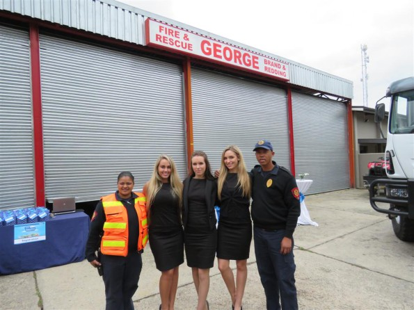Tracy Bussack (George Fire Brigade), Chanieel du Plessis, Carla Jooste, Danicka Riehl (all from Spotlight Promotions) and Melvin Hofsta (Eden District Municipality Fire Brigade) at the Telkom event