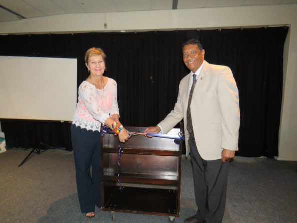 Minister Marais and Aldm Melvin Naik, Executive Mayor of George cuts the ribbon at the roll out of the Oral History event in George