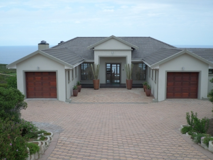 Sold for R4.26m: This four bedroom (all en suite) home at Pinnacle Point Beach & Golf Estate in Mossel Bay was recently sold by Pam Golding Properties for R4.26 million.
