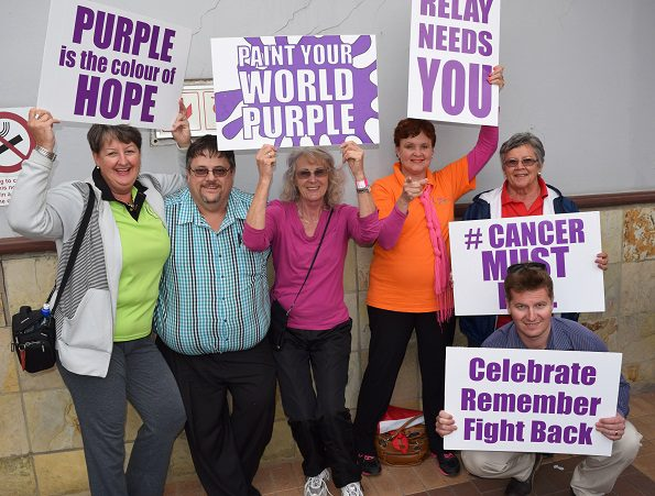 Members of the Mossel Bay RFL joined the ranks of @Cancer Must Fall at the recent Breast Cancer Walk at Langeberg Mall. They invited members of the public to join them on 5 and 6 November at the annual Relay For Life at the ATKV amphi theatre at Hartenbos. From left are:  Denise Lloyd, Freddie Faul (chairman). Alida Calitz, Annemarie Dellemijn, Ann Pretorius and Johan du Plessis