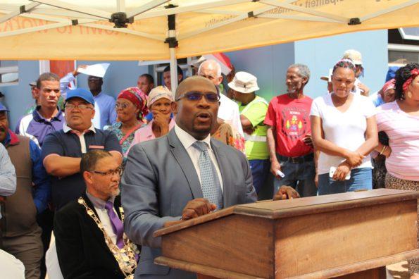 Minister addressing Bongolethu Community